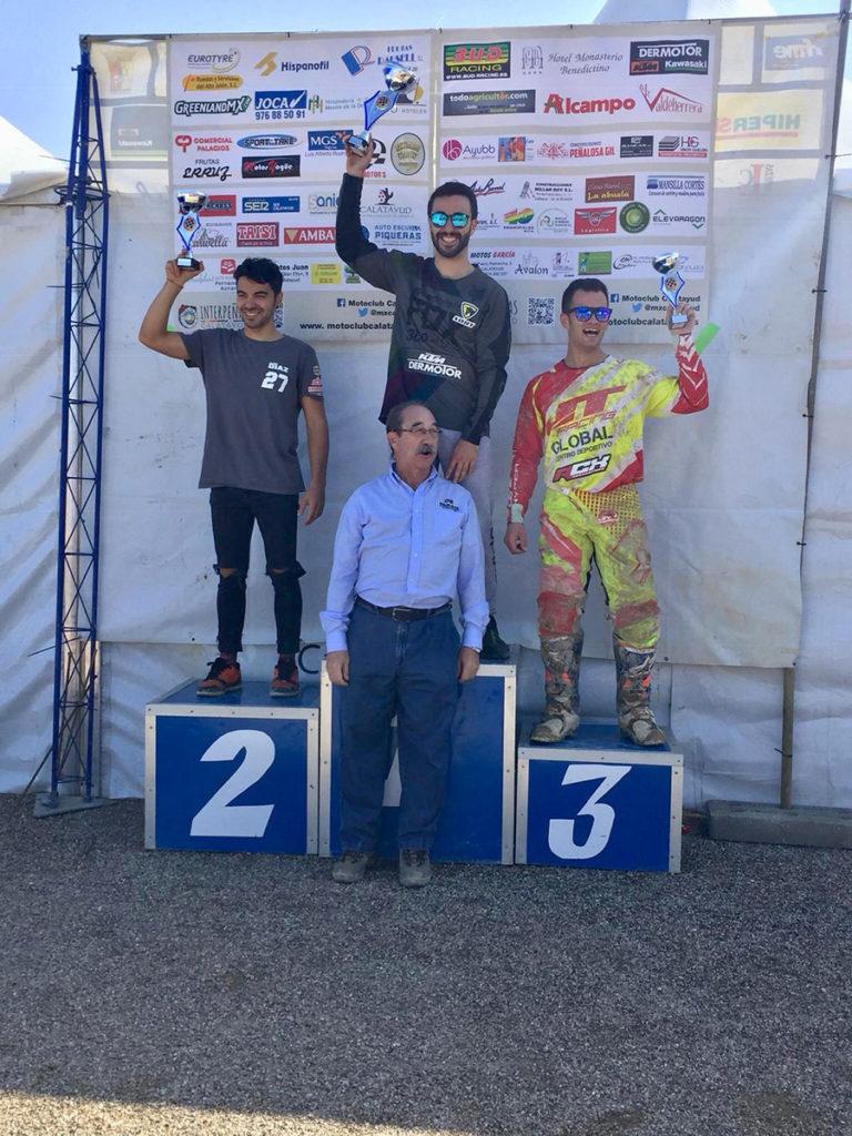 Sergio Valera en el podium con SORT